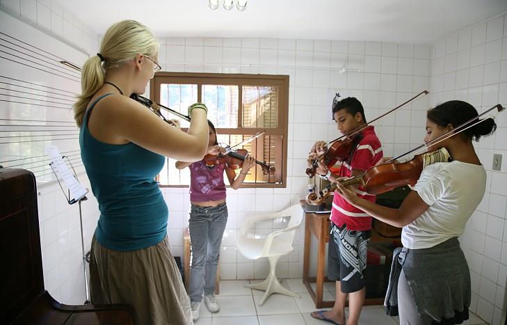 Escola de Música Monte Azul
